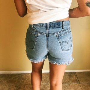 Vintage Levi's Hight Waisted Frayed Jean Shorts